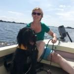 Inge Kikstra met hond Donna bij Vrouwaanboord